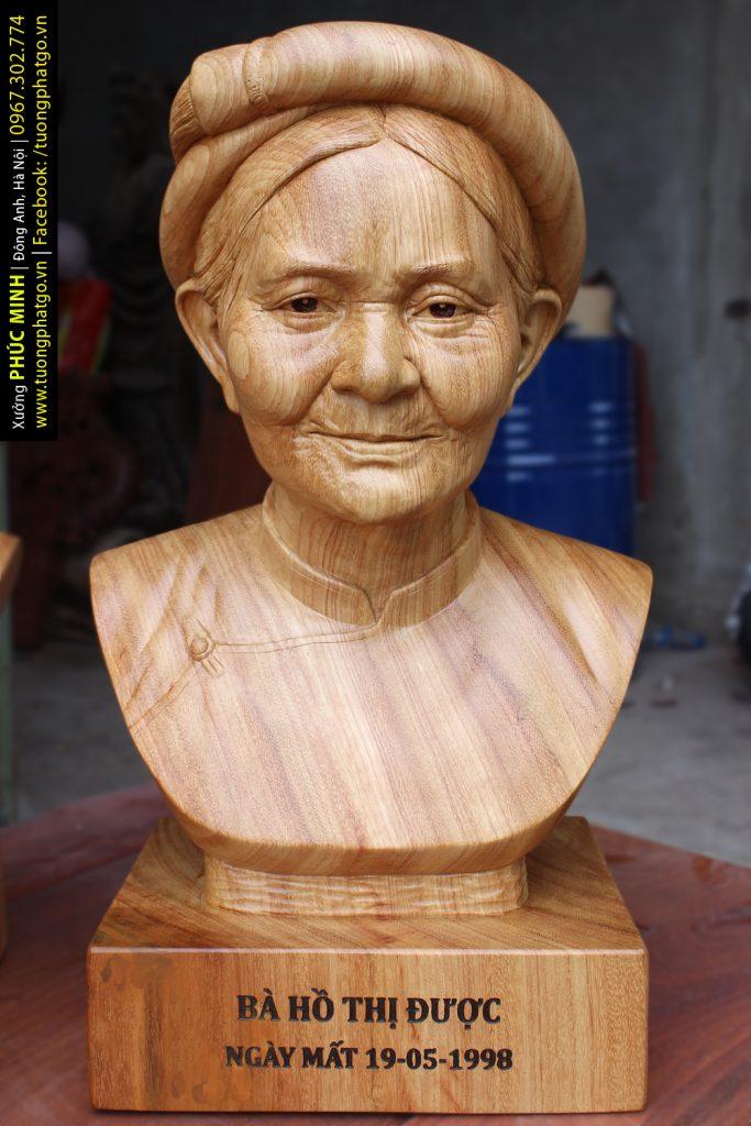 Tượng bán thân Cụ bà tại Thanh Hóa thờ tại gia